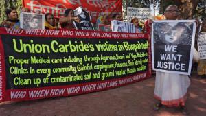 Union-Carbide-protest