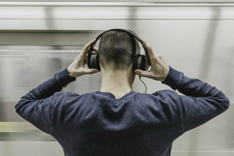 Meditation, sound frequency, sound waves