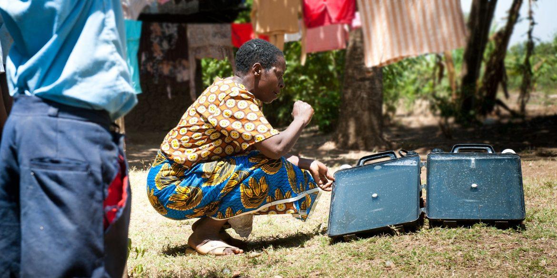 Solvatten, portable solar water heater, portable water purifier